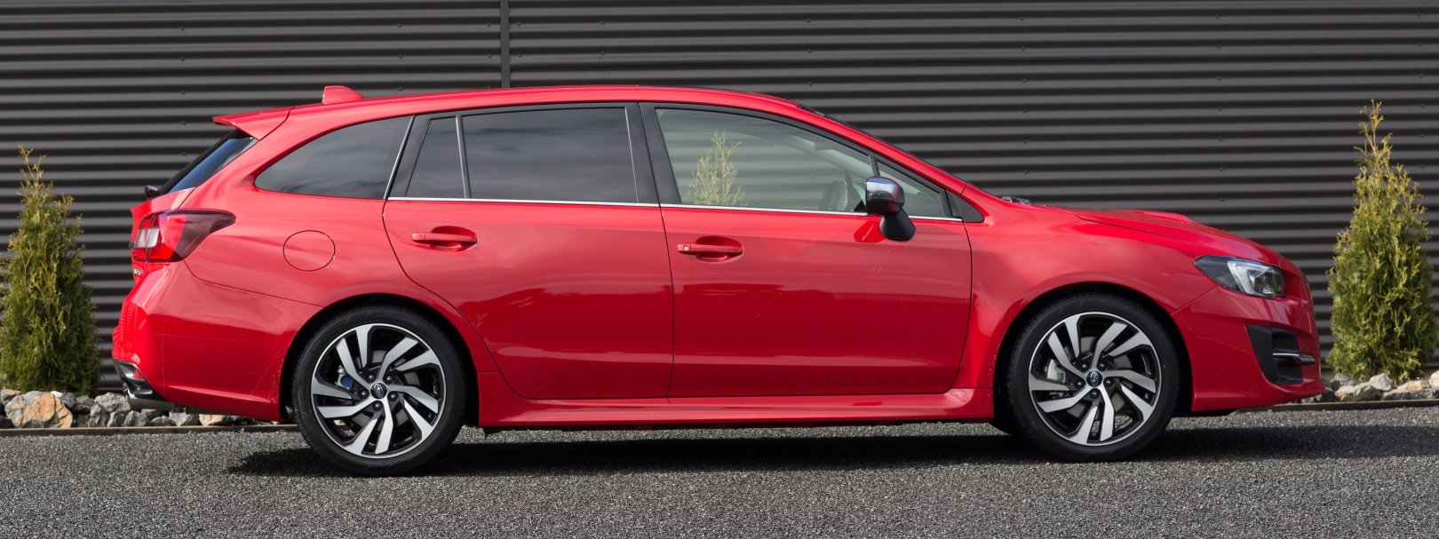 2018 Subaru Levorg side view