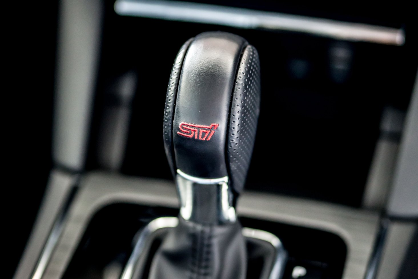 Subaru Legacy 3.6RS with STI Performance_STI gear shift knob