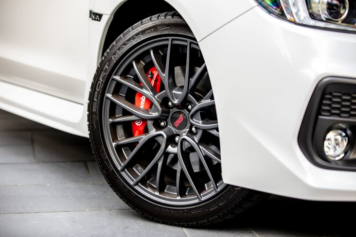 The manual version of the SAIGO WRX features red Brembo brakes.