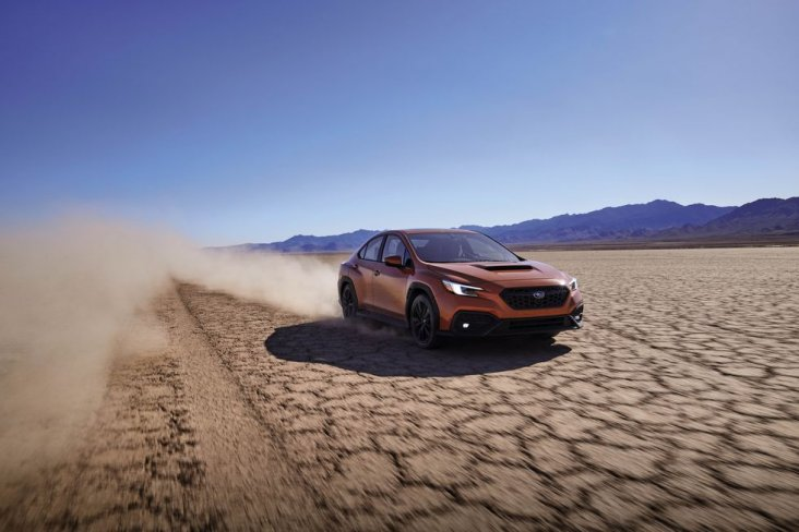 For vehicles equipped with Subaru Performance Transmission, sports shift control has been adopted to further enhance the enjoyment of driving.