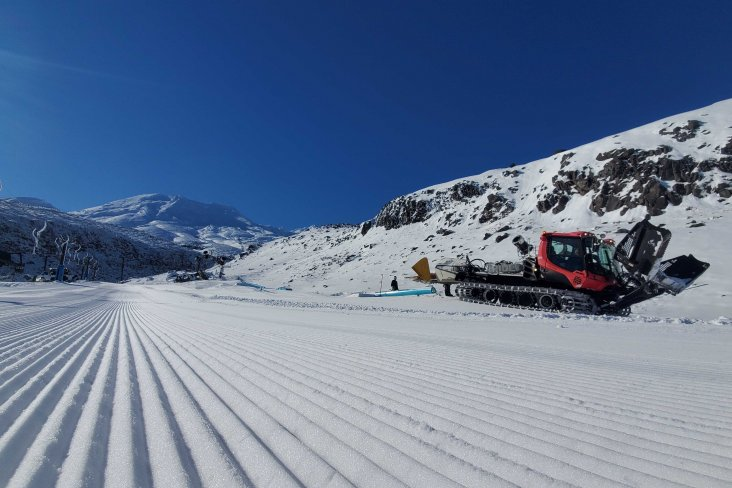 The full mountain opened over the weekend, and all the lifts and cafes on both ski fields - Tūroa and Whakapapa - were up and running.