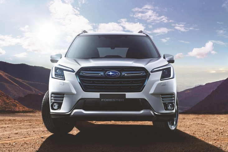 The award-winning SUV's front end has been refreshed with revised headlights, fog lights, front bumper and grille treatment.