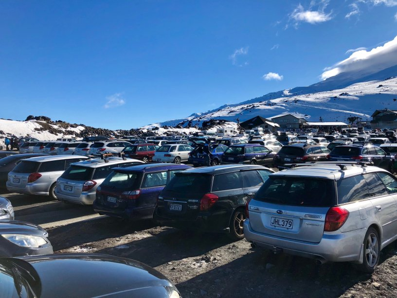 2018 Subaru Top Weekend top carpark full